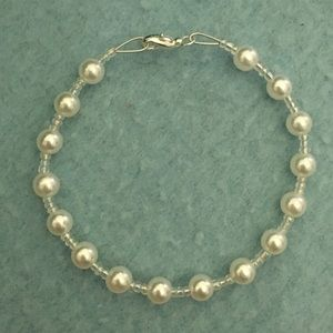 Clear and Faux Pearl Beaded Bracelet